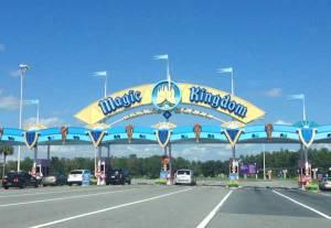 600-magickingdom-entrance